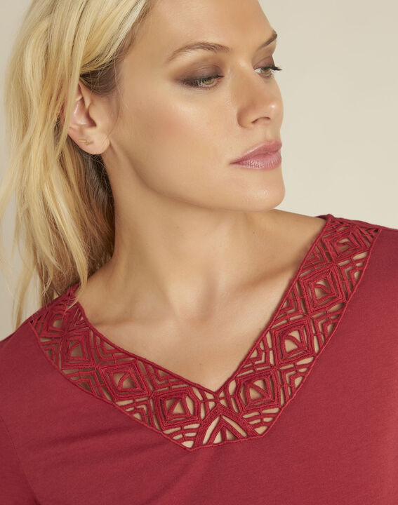 Gulpure red t-shirt with decorated neckline (3) - 1-2-3
