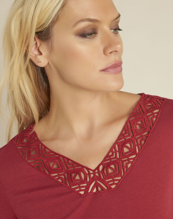 Gulpure red t-shirt with decorated neckline (2) - 1-2-3