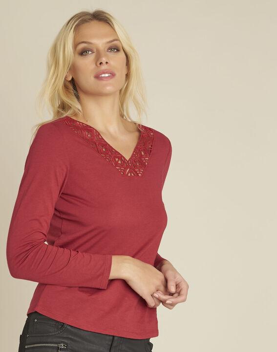 Rood shirt met versierde halslijn Guipure PhotoZ | 1-2-3