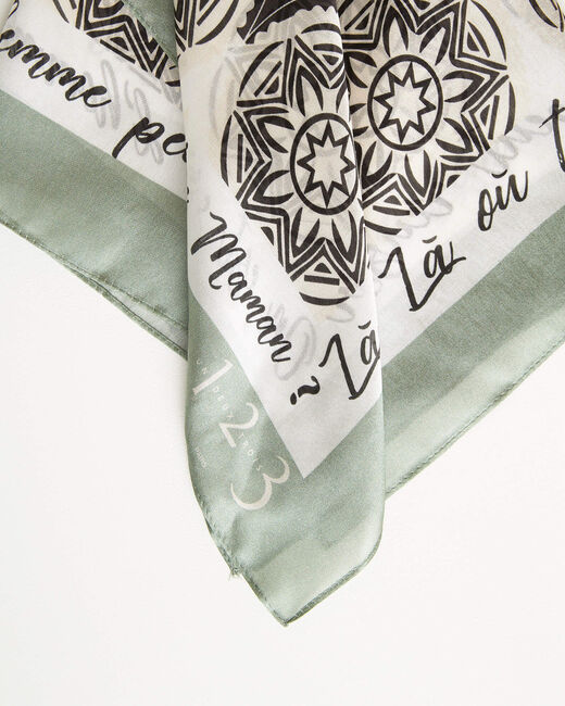 Mandelgrünes Seidenhalstuch mit Rosettenmotiven Arabesque (2) - 1-2-3