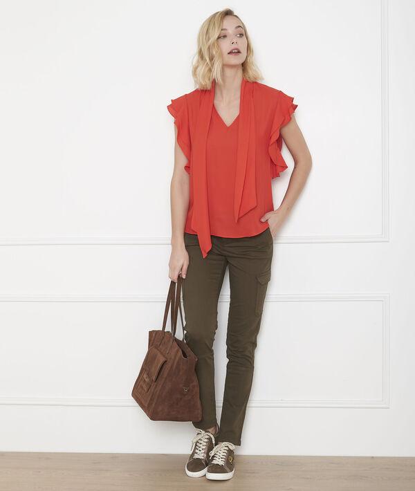 Rote Bluse mit Volant und Plastronkragen Valina PhotoZ   1-2-3