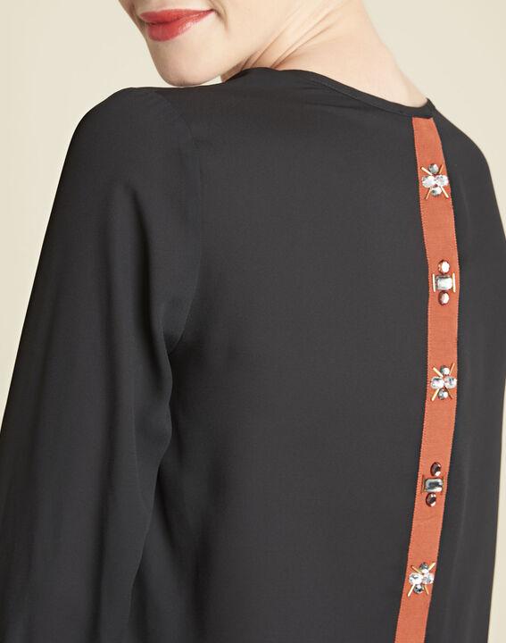Schwarze Bluse mit Schmuckdetails Caroline (3) - 1-2-3