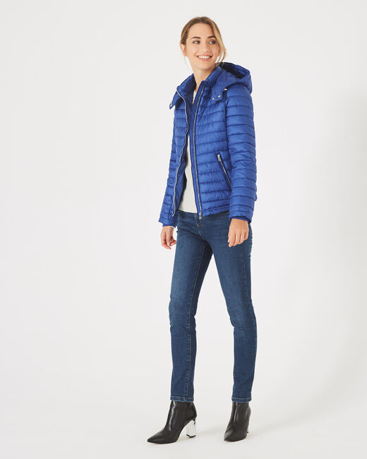 Louise short quilted jacket in royal blue with a rounded collar (1) - 1-2-3