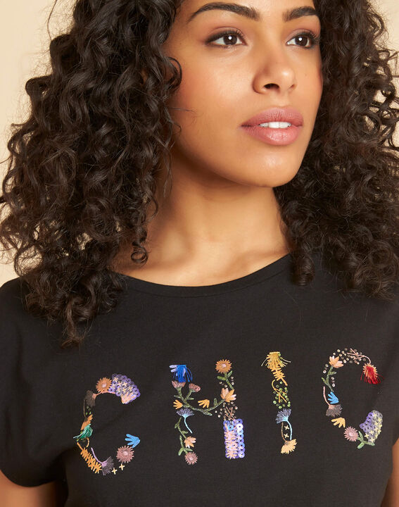 "Emilia black T-shirt with ""Chic"" lettering PhotoZ | 1-2-3"